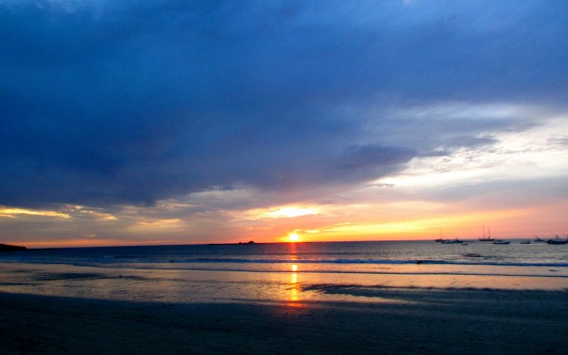 Sunset on Playa Tamarindo. Pretty, huh?